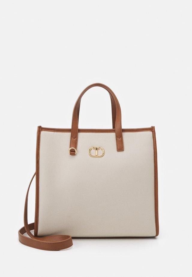 Handbag - neve