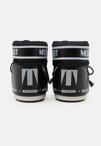 Moon Boot - CLASSIC LOW - Vinterstøvler - black - 3