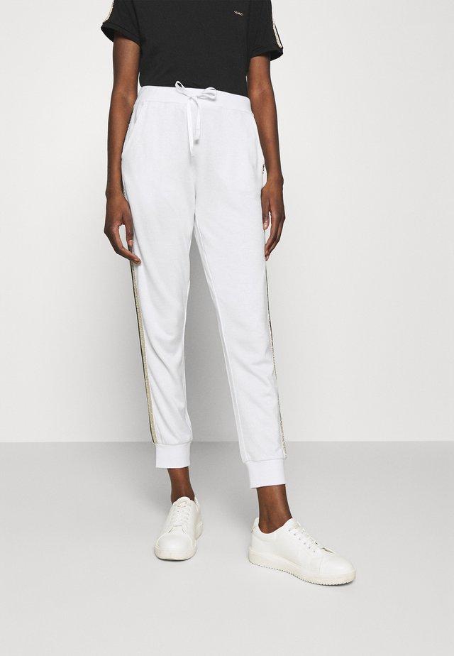 PANT - Pantalon classique - bianco/silver