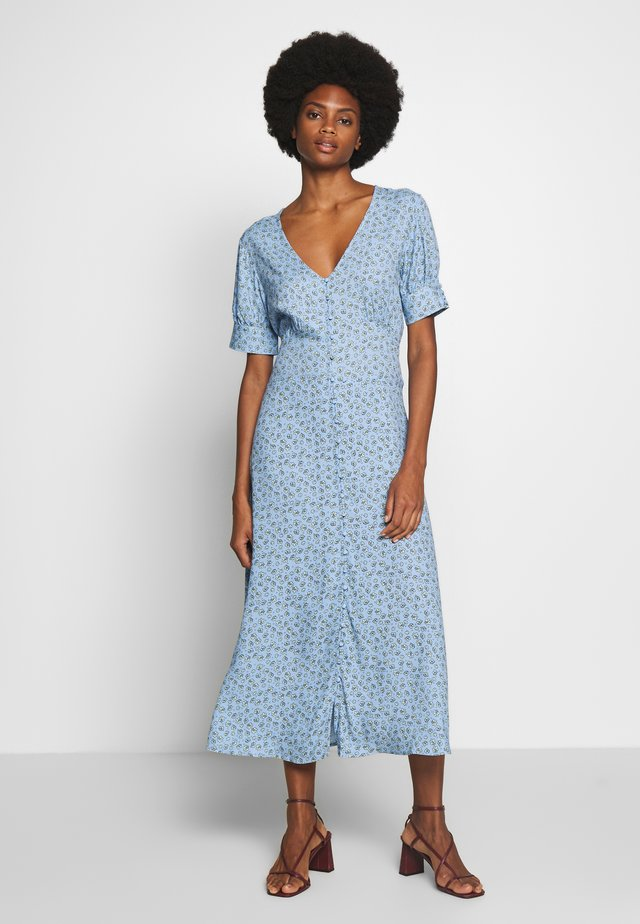 CUYASMIN DRESS - Skjortekjole - powder blue