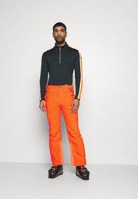 CMP - MAN PANT - Spodnie narciarskie - orange fluo - 3