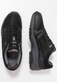 Haglöfs - OBSERVE EXTENDED GT MEN - Hiking shoes - true black - 1