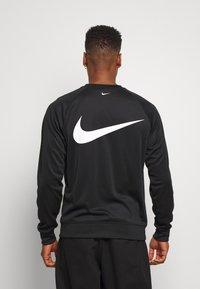 Nike Sportswear - CREW - Top sdlouhým rukávem - black/white - 2