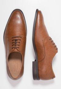 Zalando Essentials - Smart lace-ups - brown - 1