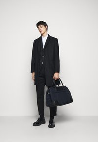 Hackett London - DOUBLE ZIP - Weekend bag - navy/black - 0