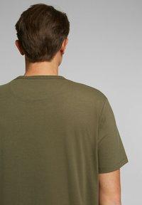 Esprit Collection - MIT COOLMAX - Basic T-shirt - dark khaki - 5