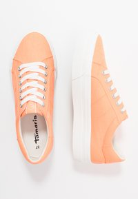 Tamaris - LACE-UP - Baskets basses - peach neon - 3