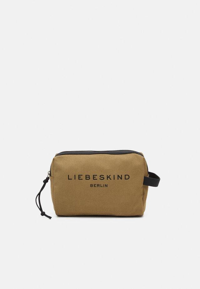 COSMETIC - Kosmetická taška - safari
