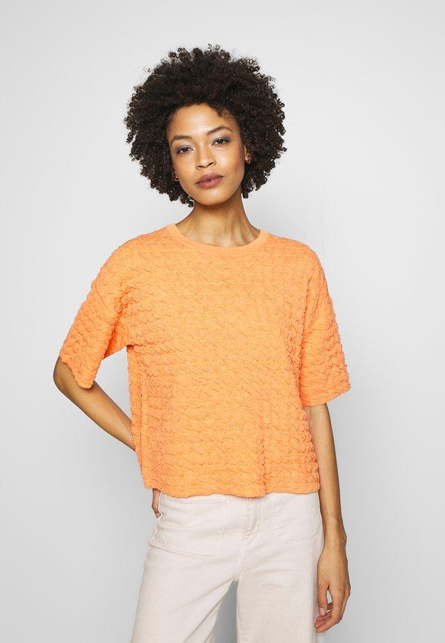 TENLEY - Neule - silky orange