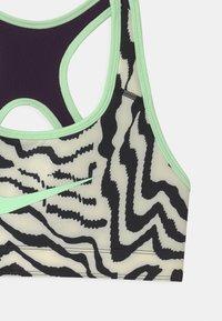 Nike Performance - Sports bra - grand purple/vapor green - 3