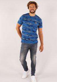 Gabbiano - Print T-shirt - cobalt - 1
