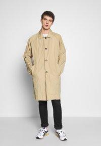 Weekday - BARCLAY TECH COAT - Classic coat - beige - 0