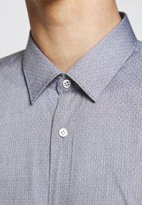 HUGO - ELISHA - Formální košile - black - 5