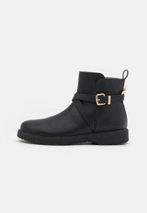 PAT BOOTIE - Classic ankle boots - black