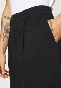 Topman - BLACK PLEAT - Trousers - black - 4