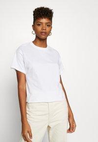 Miss Selfridge - TEE 2 PACK - T-shirts - black/white - 4