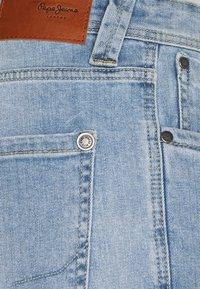 Pepe Jeans - CASH SHORT - Denim shorts - light blue - 6