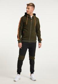 Mo - Light jacket - oliv - 1
