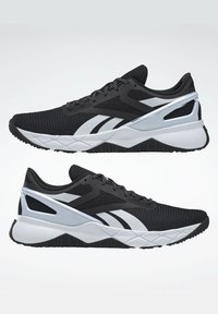 Reebok - NANOFLEX TRAINING - Stabile løpesko - black - 5