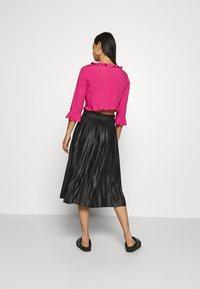 ONLY - ONLMIE MIDI PLEAT SKIRT - A-line skirt - black - 2