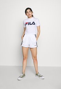 Fila Petite - EVERY TURTLE TEE - T-shirt con stampa - bright white - 1
