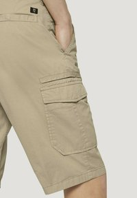 TOM TAILOR DENIM - Shorts - smoked beige - 5