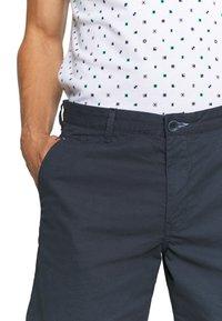 INDICODE JEANS - Shorts - navy - 5