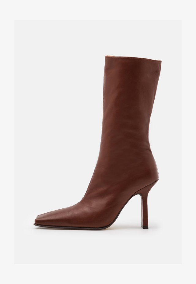 NOOR - High heeled boots - brown