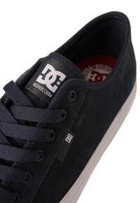 DC Shoes - Sneakers laag - dc navy white - 6