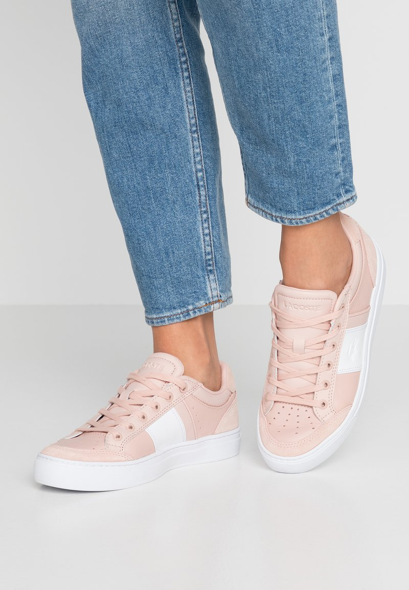 Lacoste - COURTLINE  - Trainers - nat/white