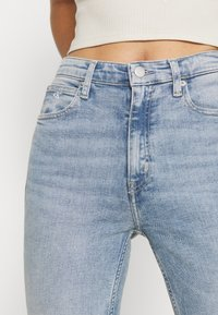 Calvin Klein Jeans - HIGH RISE SKINNY - Jeans Skinny - light blue - 3