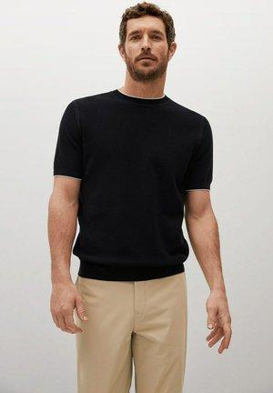 ROSS - Jednoduché triko - black