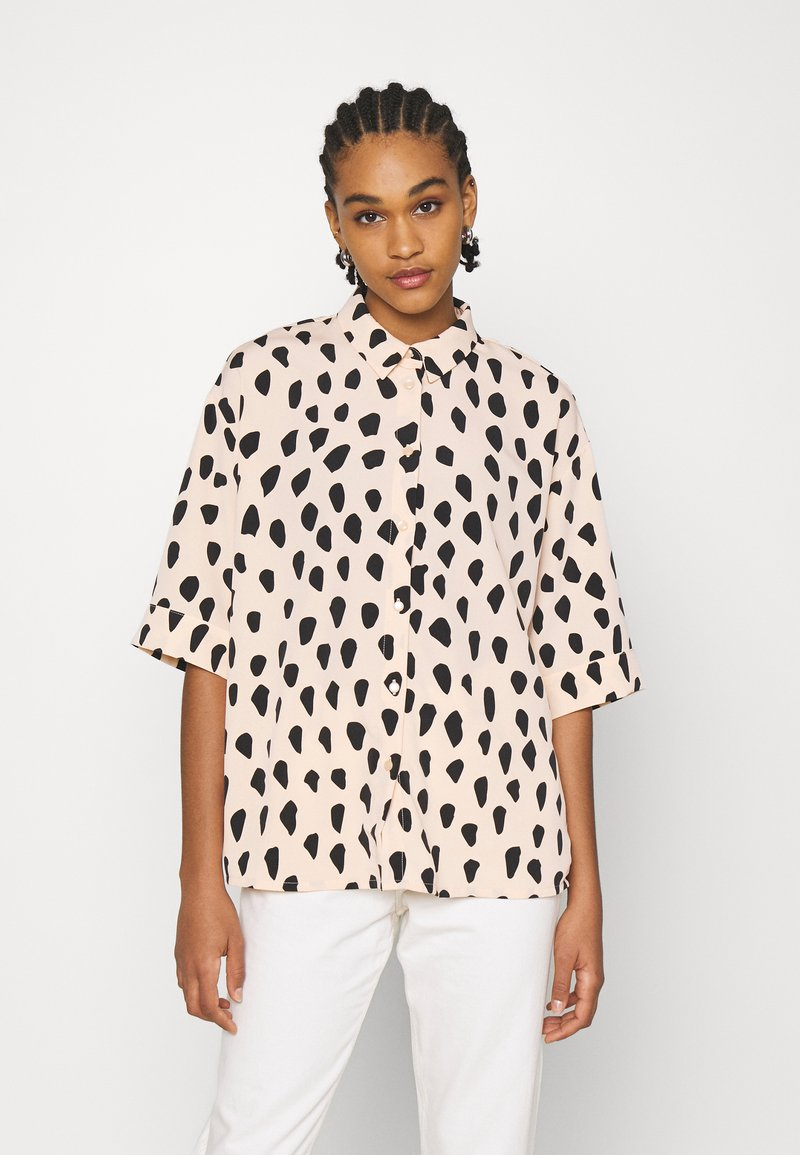 Monki - TAMRA BLOUSE - Button-down blouse - beige
