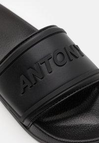 Antony Morato - HARLEM - Klapki - black - 5
