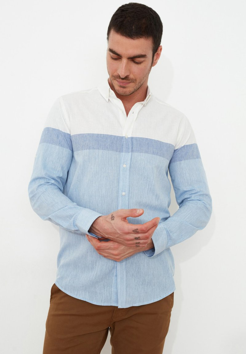 Trendyol - Camisa - white