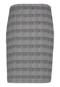 Betty Barclay - SCHMAL GESCHNITTEN - Pencil skirt - schwarz/weiß - 4