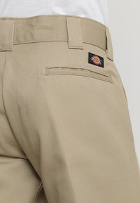 Dickies - 873 SLIM STRAIGHT WORK PANT - Pantalones - khaki - 5