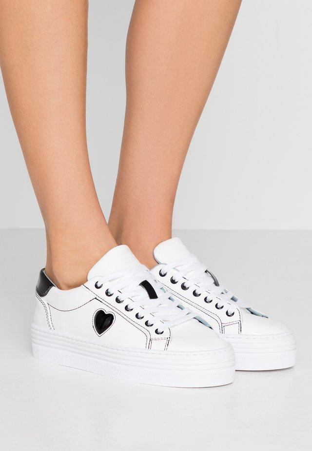 FLATFORM - Sneakers laag - white