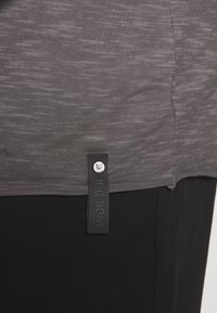 INDICODE JEANS - ALAIN - Basic T-shirt - pewter - 4