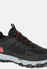 The North Face - W ULTRA FASTPACK IV FUTURELIGHT - Trainers - tnf black fiesta red - 6