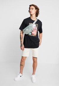 Jordan - CREW - Print T-shirt - black - 1