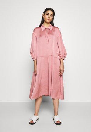 KLEA - Robe de soirée - rose