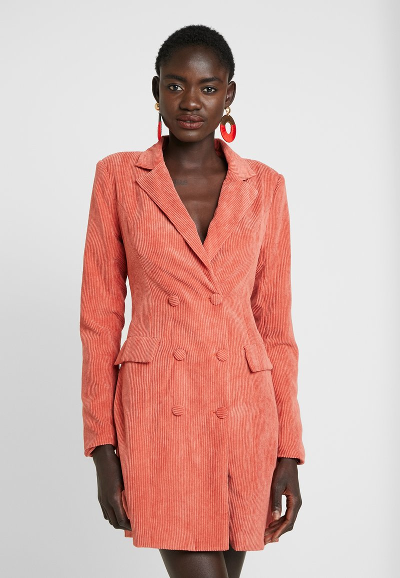 Missguided Tall - BUTTONED BLAZER DRESS - Vestido camisero - coral