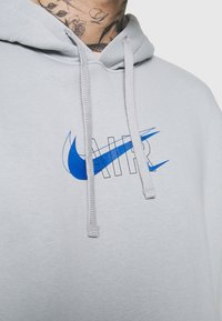 Nike Sportswear - HOODIE AIR  - Hoodie - light smoke grey - 5