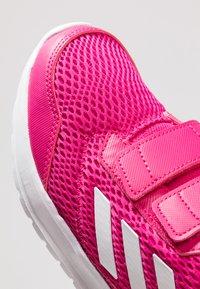 adidas Performance - ALTARUN CF - Obuwie do biegania treningowe - real magenta/footwear white - 2