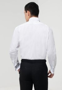 dobell - REGULAR FIT - Formal shirt - white - 2