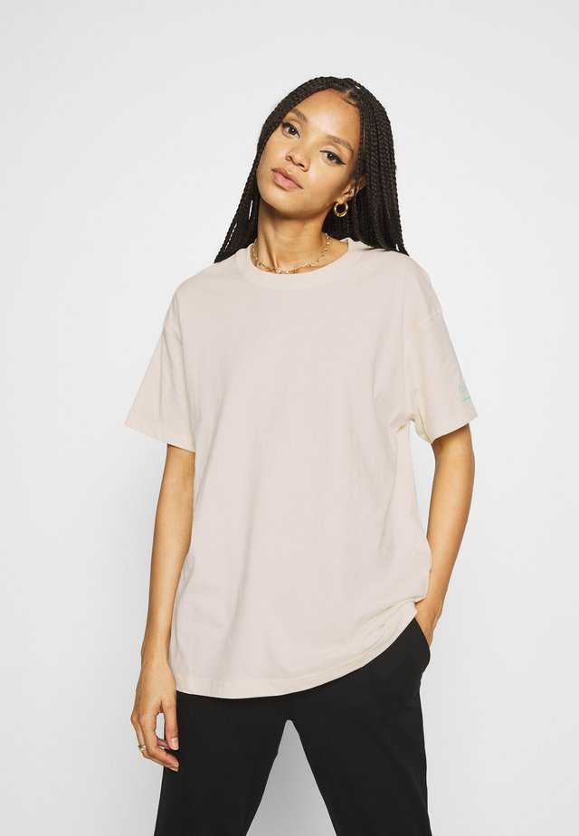 ENKULLA TEE - T-shirt z nadrukiem - off-white
