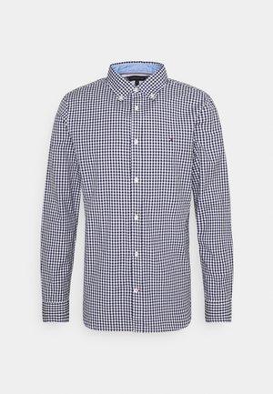 SLIM NATURAL SOFT GINGHAM SHIRT - Shirt - carbon navy/white