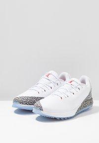 Nike Golf - Golfskor - white/fire red/cement grey - 2