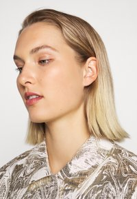Bruuns Bazaar - LUNAS JACKET - Short coat - white/gold - 3